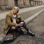 Grüner Mantel, Vintage Chanel Tasche & Boots