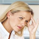 Menopoz baş dönmesine mi sebep olur mu?