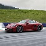Porsche'den İki Yeni 718!
