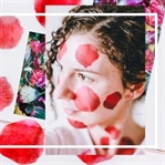 Rosenblätter Tuchmaske