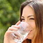 Su içmek ağız kokusunu önlüyor