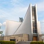Tokios Raumschiff-Kathedrale