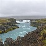 Vom Goðafoss nach Akureyri und in den Westen