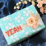 Yeah – Geschenksverpackung mit Fimobuchstaben