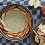 Apfel-Tarte mit Quark-Guss und Mandeln