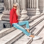 Back to the 80s Look | Roter Pullover & Mom Jeans