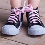 Çocuğun büyümesi ayakkabısından anlaşılır