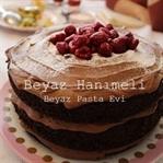 Frambuazlı, çikolatalı pasta