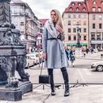 Mantel mit schwarzer Jeans und Ankle Boots