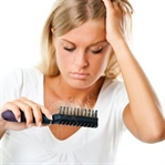 Saç Dökülmesinin Nedenleri ve Çözümleri