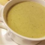Sağlıklı Sütlü Brokoli Çorbası Tarifi