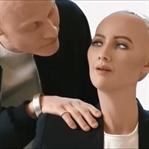 Sophia Yaratıcısı İle Geleceğini Sorguluyor