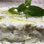 Süzme Yoğurtlu Kereviz Salatası