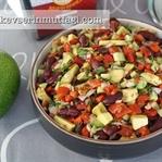 Avokadolu Meksika Fasulyesi Salatası Tarifi
