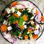 Beyaz Peynirli Ispanak Salatası Nasıl Yapılır