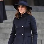 Kate Middleton: Carolina Herrera Kruvaze Manto