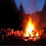 Uzun Süre Yanacak Kamp Ateşi Yakmak