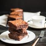 """""""fudgier-than-fudge"""" Brownies"""