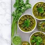Grüne Pasta-Suppe