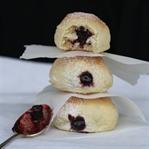 Krapfen aus dem Backrohr, mit Marmelade gefüllt