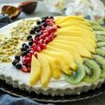 Kühlschranktorte mit Joghurt, Quark und Obst