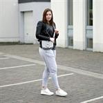 Jogginghosen Trend: Easy Look mit Lederjacke