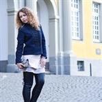 Outfit: Military Jacke, Volants und Kunstlederhose