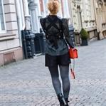Outfit: Zara Kunstleder-Top mit Schnürung