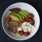 Quinoa mit Balsamico-Tomaten und Schalotten
