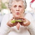 Yaşlılarda hHem Kilo Kaybı Hem Kilo Alımı