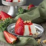 Buttermilch-Panna Cotta mit Erdbeeren