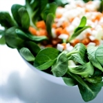 Feldsalat mit Wurzelvinaigrette