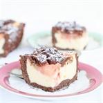 Rhabarberkuchen mit Streuseln, Mascarpone + Kakao