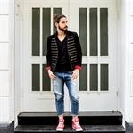 Streetstyle | Zip Blazer und Ripped-Jeans