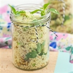 Couscous-Salat mit Avocado und Lime-Basilikum
