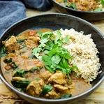 Garam Masala Hühnchen-Curry mit Spinat