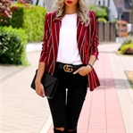 How to dress effortlessly chic on a daily basis