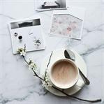 Instagram'da Minimalist Kahve Sunumu Örnekleri
