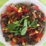 Közlenmiş Biberli Mantar Salatası