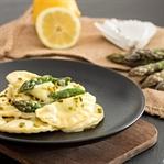 Ravioli mit Spargel-Ricotta-Füllung