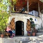 Taş ve Ahşabın Uyumu: Old Town Stone House Otel