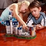 Üç Boyutlu Oyuncaklarla Oynayan Çocuklar
