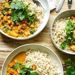 Cremiges Kokos Kichererbsen Curry mit Süßkartoffel