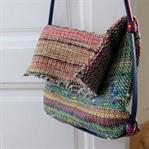 DIY gewebte Tasche mit Gürtelhenkel