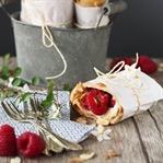 Espresso-Pfannkuchen-Wraps mit Mandeln & Himbeeren