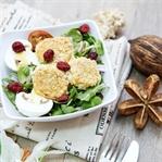 Salat mit Ziegenkäse und Haferflocken