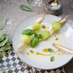 Spargelsuppe mit Kokos und Melone.