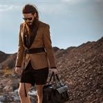 Trend | Sakko kombiniert mit Gürtel und Shorts