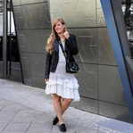 Fashion Week Outfit: Asymmetrischer Jeansrock