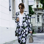FLOWER PRINT ALL OVER LOOK